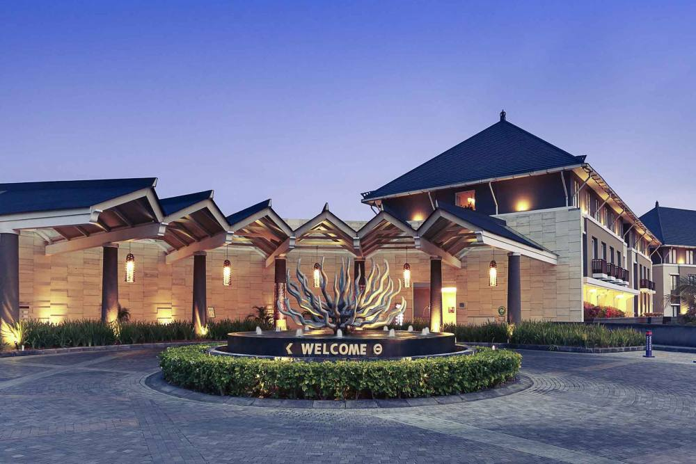 Mercure Hotel Nusa Dua <br/>€ 30.00 <br/> <a href='https://www.333travel.nl/travel/?tt=4015_1631756_241358_&r=https%3A%2F%2Fwww.333travel.nl%2Findonesie%2Fhotel%2Fmercure-hotel-nusa-dua' target='_blank'>Meer info</a>