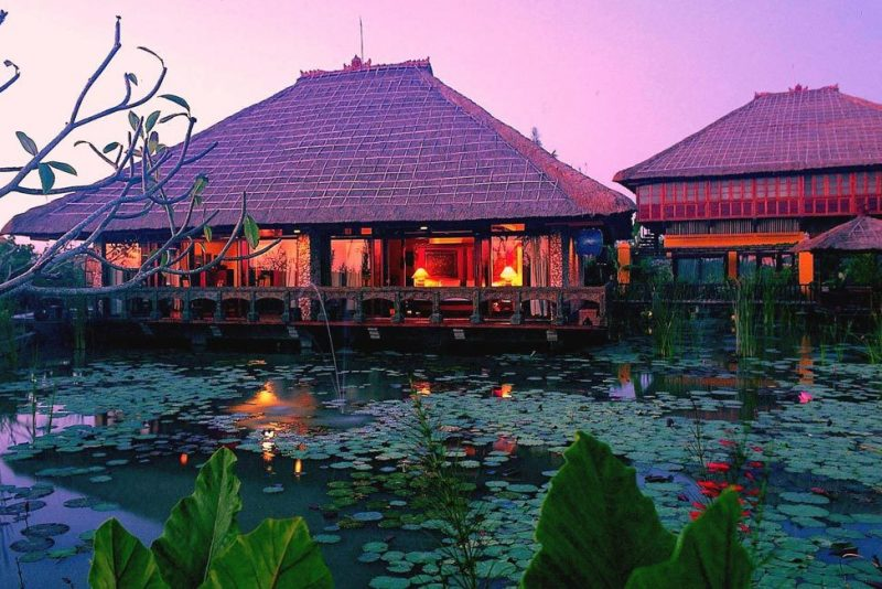 Tugu Bali <br/>€ 145.00 <br/> <a href='https://www.333travel.nl/travel/?tt=4015_1631729_241358_&r=https%3A%2F%2Fwww.333travel.nl%2Findonesie%2Fhotel%2Ftugu-bali' target='_blank'>Meer reisinfo</a>